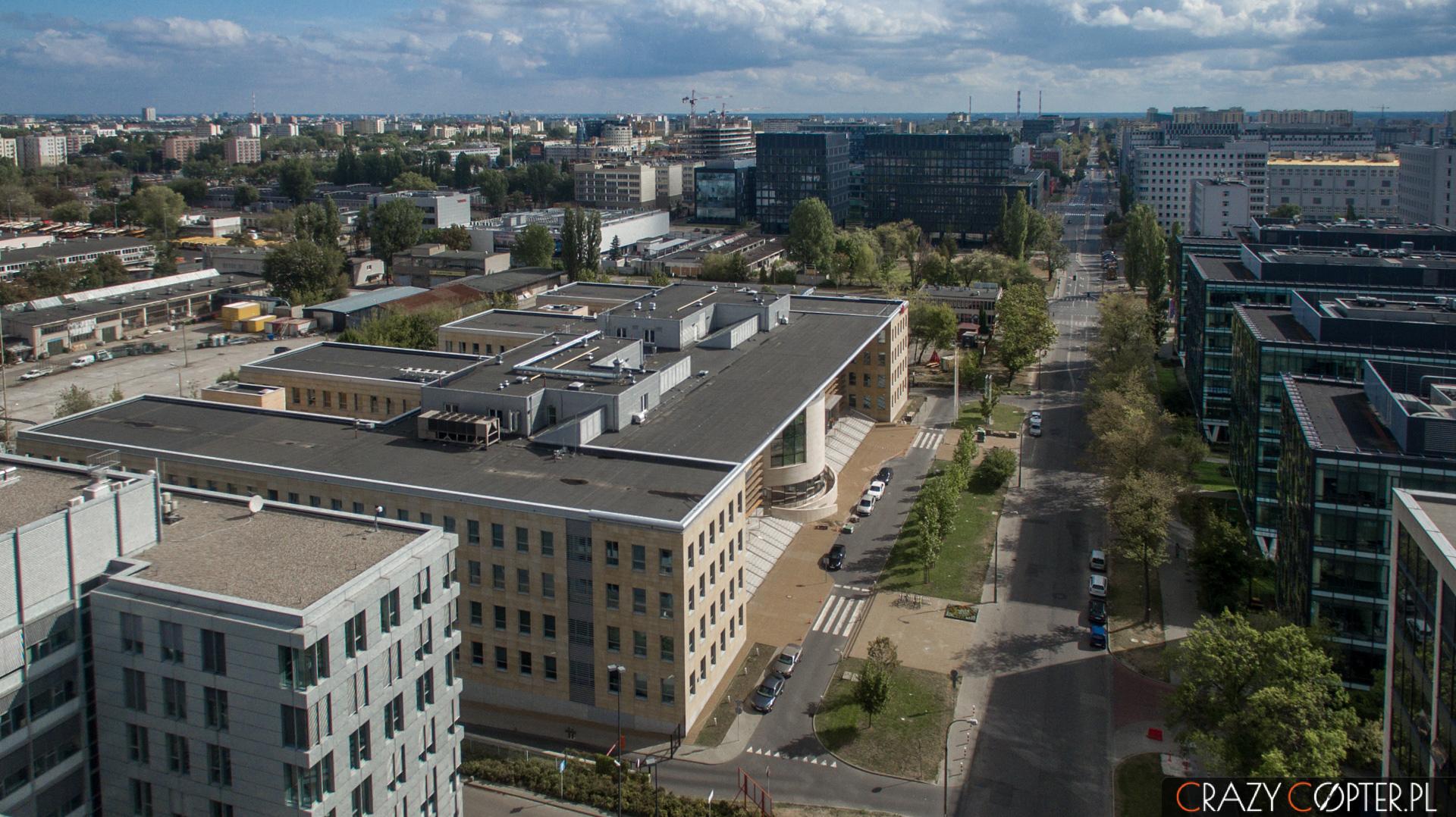 Zdjęcia lotnicze dla Tulipan House przy ul. Domaniewskiej w Warszawie.