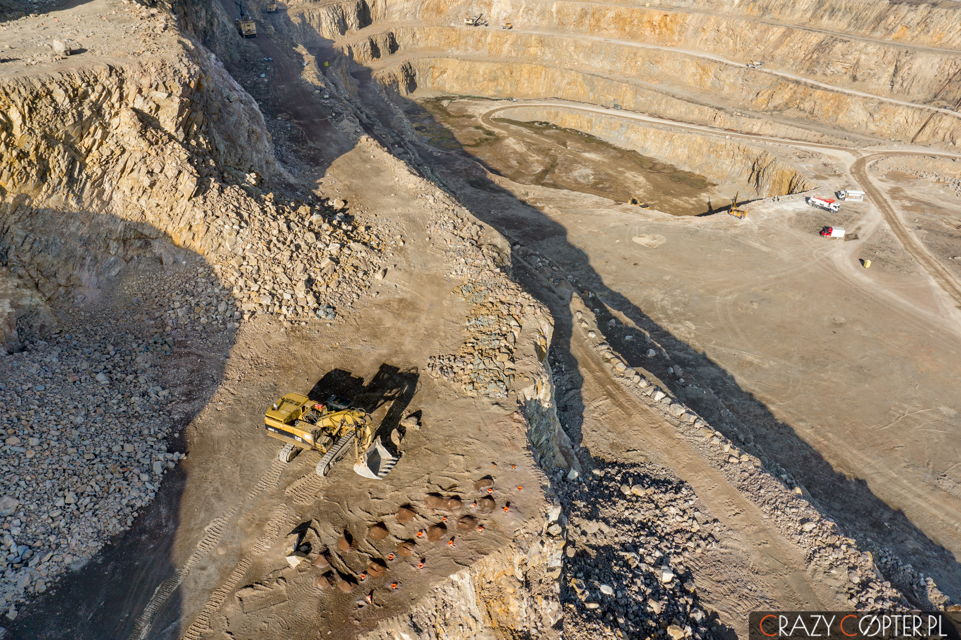 Zdjęcia zdrona kopalni porfiru podKrakowem.