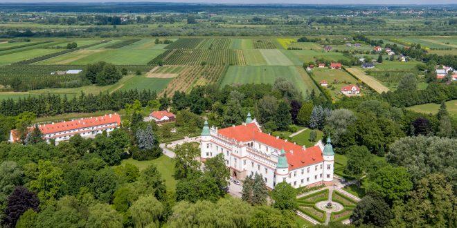 Wesele z drona na zamku w Baranowie Sandomierskim