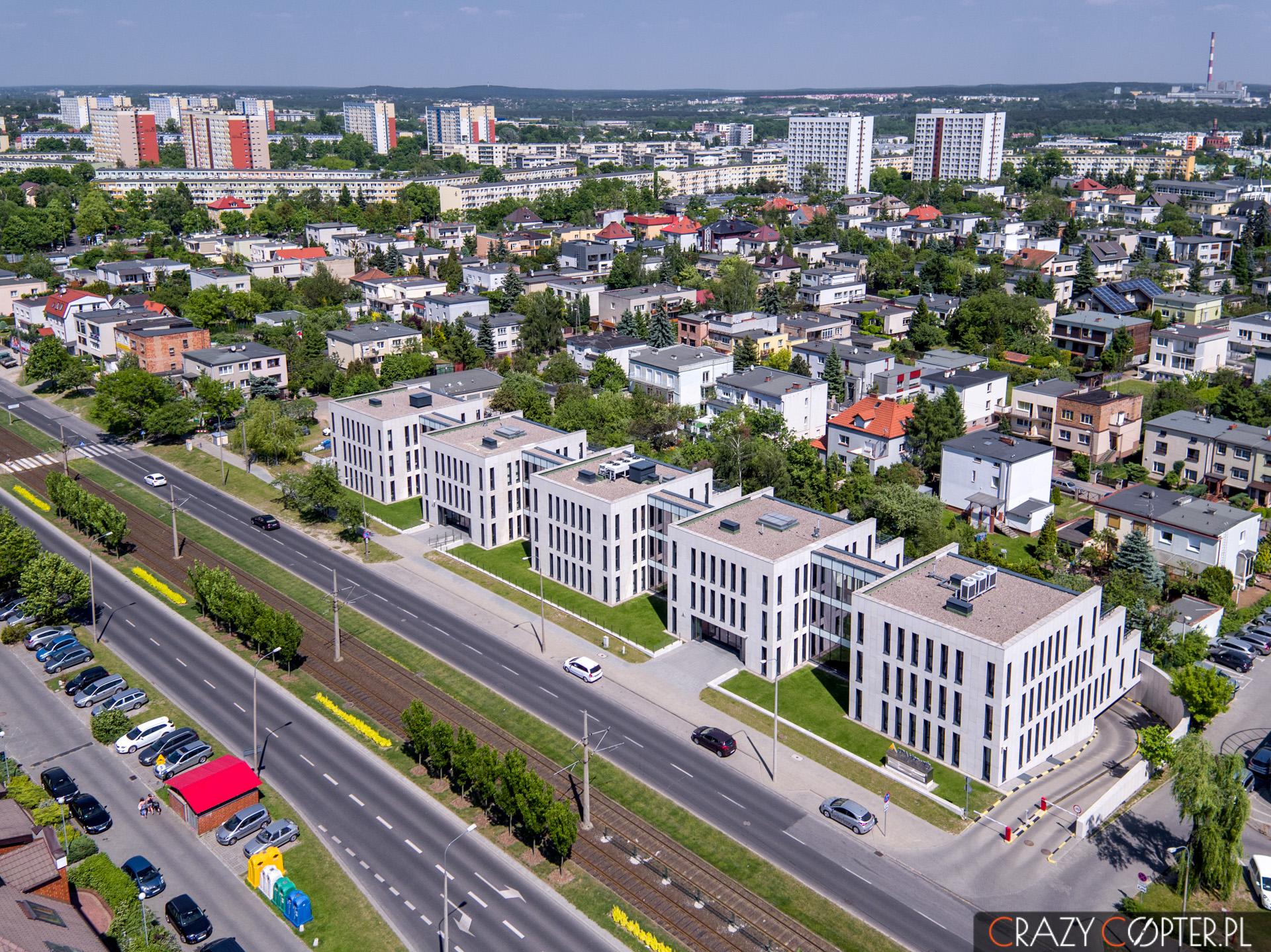 Zdjęcie z drona biurowca w Poznaniu.
