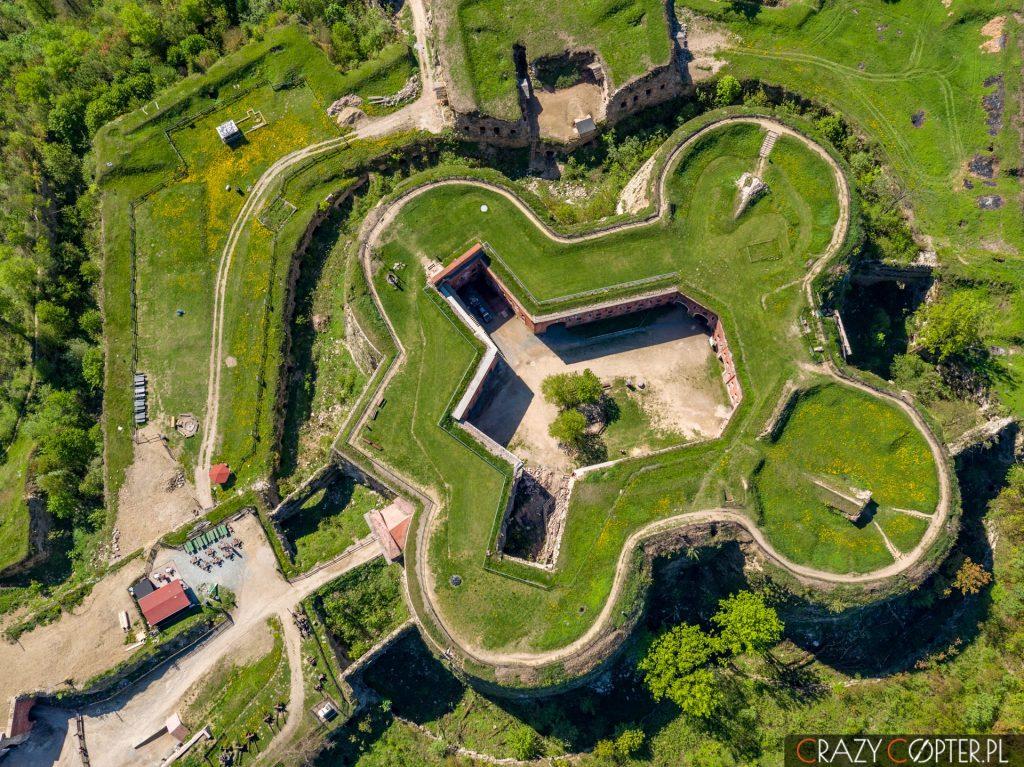 Zdjęcia lotnicze Twierdzy Srebrna Góra wykonane zdrona.
