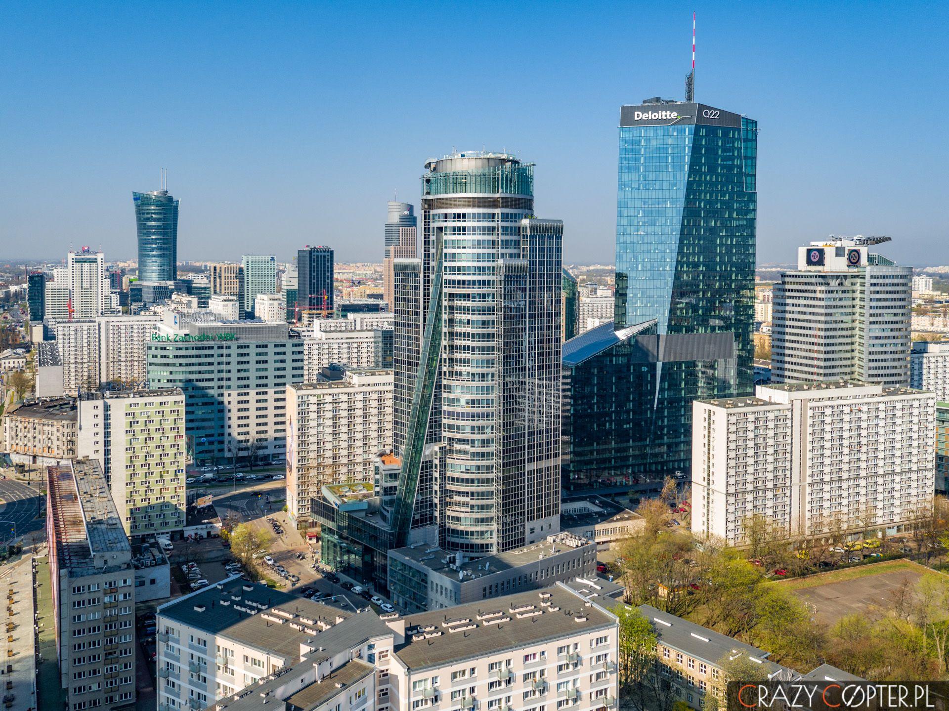 Wieżowce w Warszawie - zdjęcia lotnicze z drona